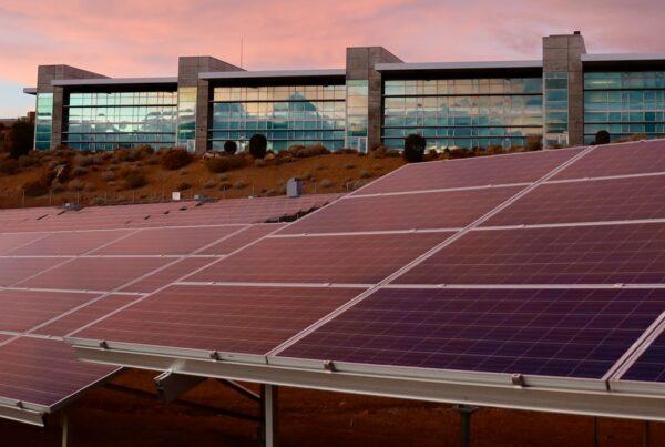 paineis de energia solar fotovoltaico - Saiba todas as vantagens e desvantagens da energia solar fotovoltaica